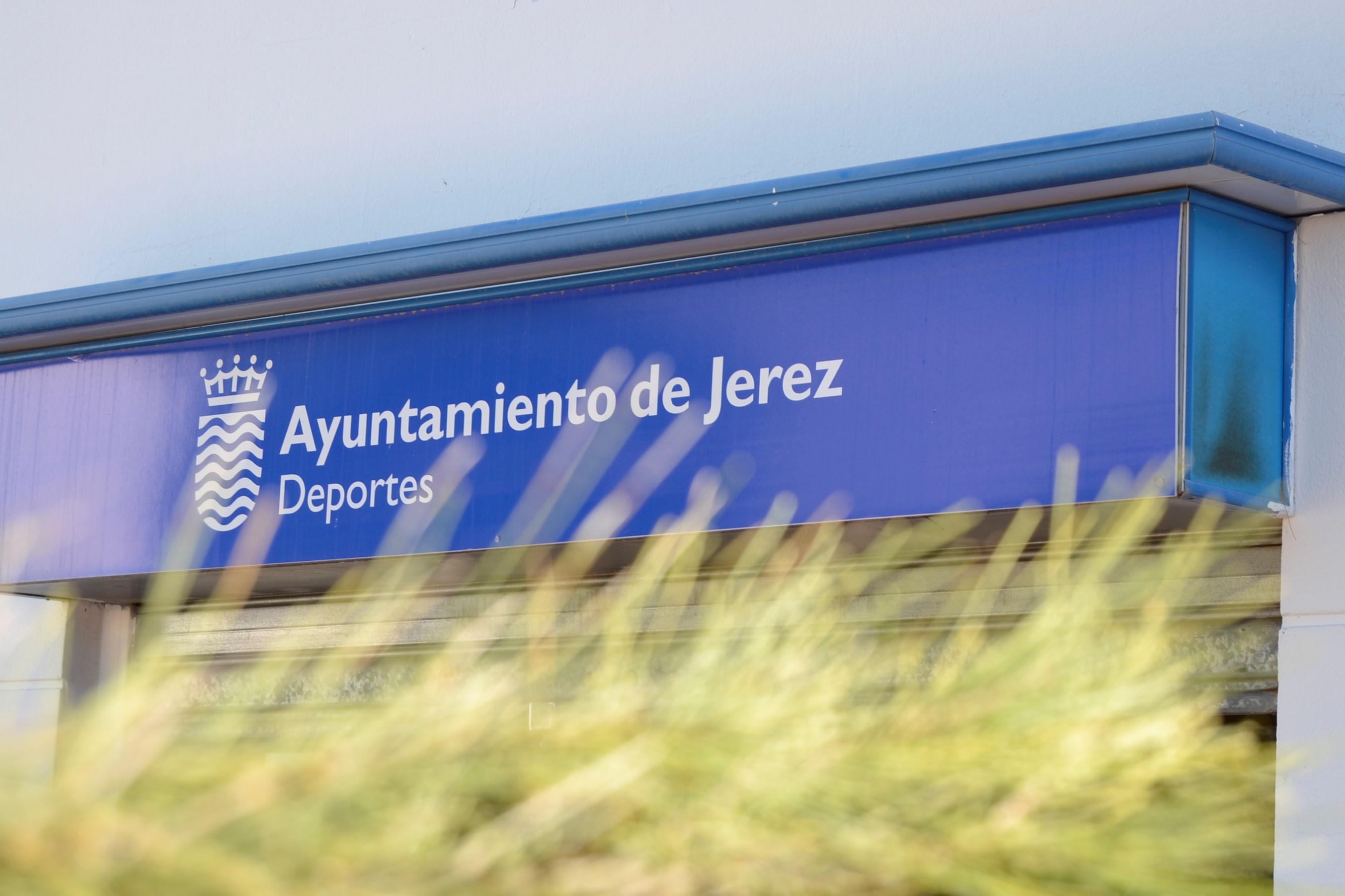 entrada edificio Jerez2002