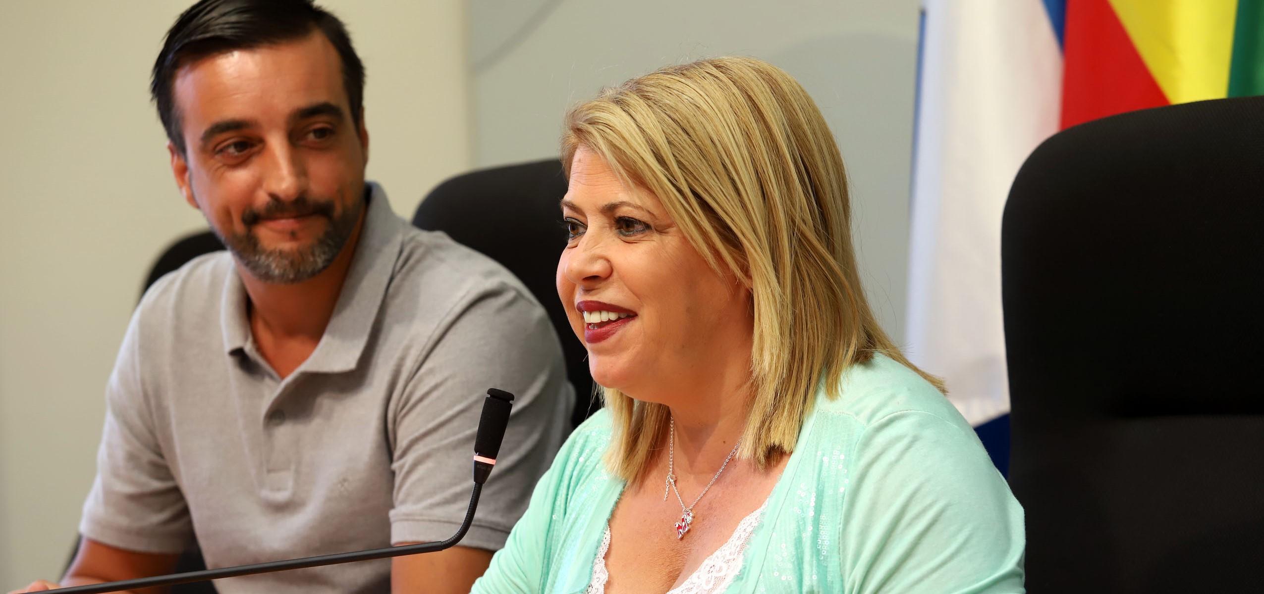 Alcaldesa con delegado JA Díaz