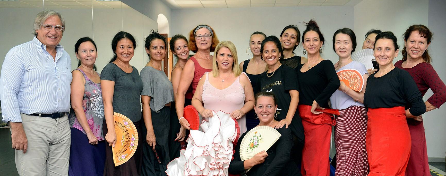 Alcaldesa con artistas de la Fiesta la Bulería