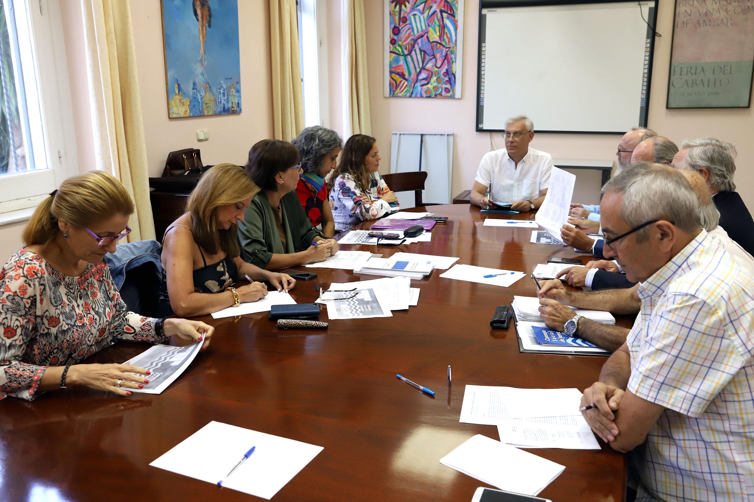 José Antonio Cabello durante la reunión