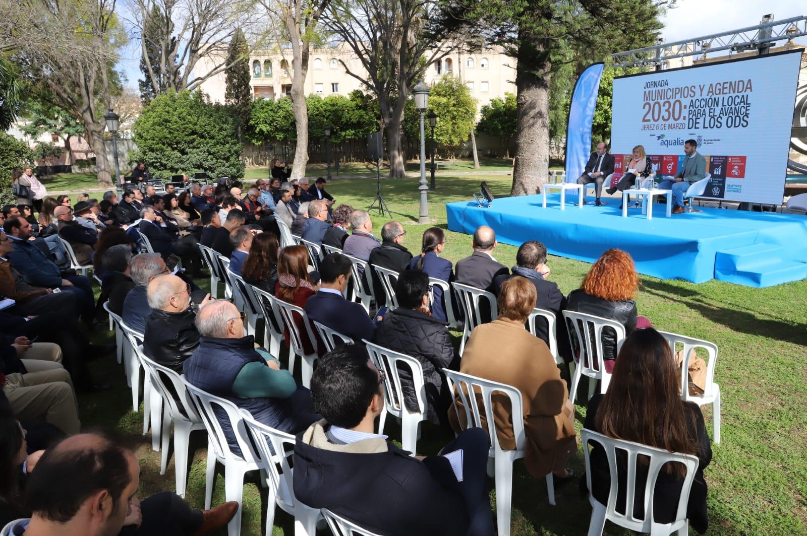 Alcaldesa presenta jornadas ODS.