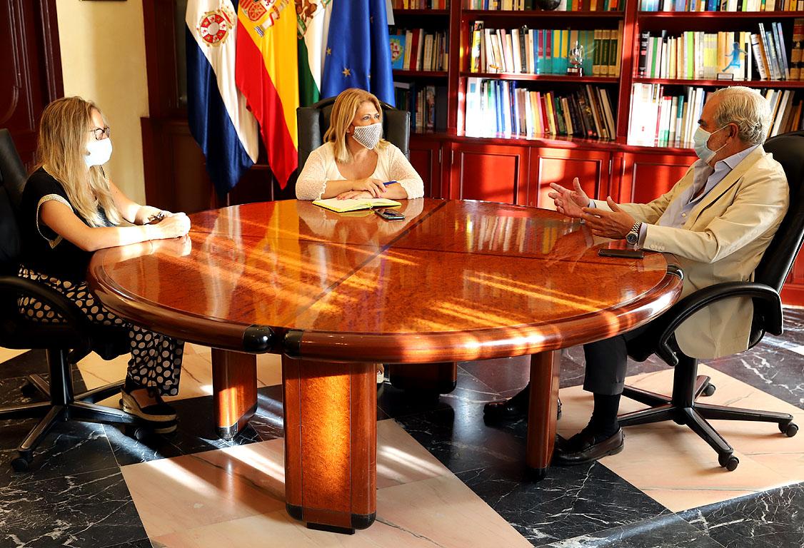 Alcaldesa con Evaristo Babé