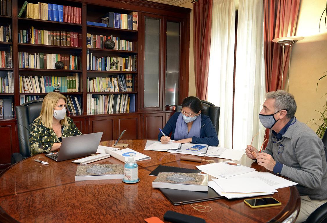 Alcaldesa reunión con Emuvijesa