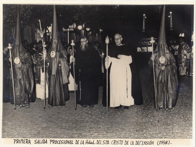 Primera salida procesional. Archivo de la Hermandad de la Defensión.
