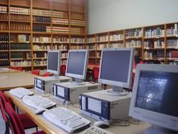 Puestos de consulta de Internet de la Biblioteca Ramón de Cala