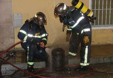 Imagen de bomberos en acción