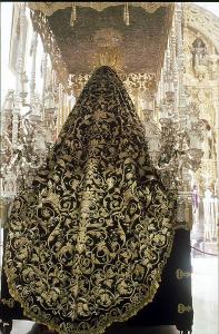 Imagen manto de la Virgen de la Soledad